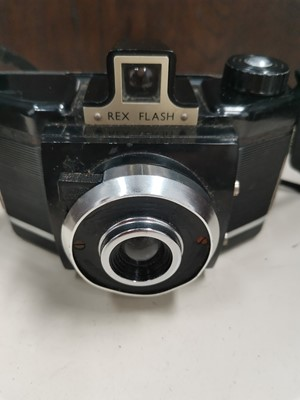 Lot 32 - A 'Rex' flash camera with leather case.