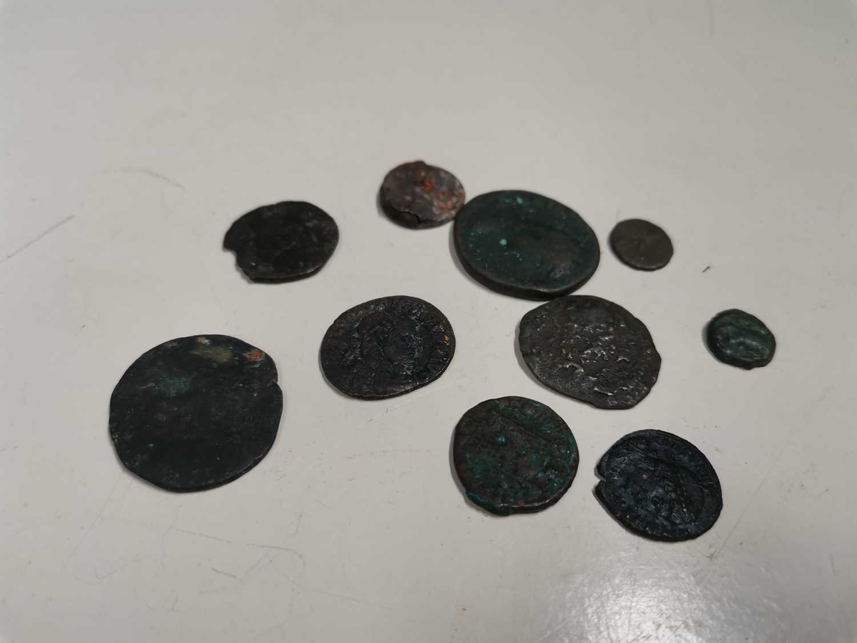 Lot 34 - Ten 4th century roman coins.