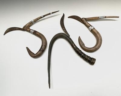 Lot 313 - A Chinese rice scythe, with buffalo horn...