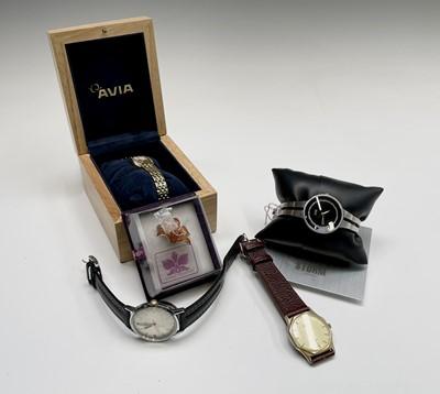 Lot 13 - A gentleman's Golay nickel-plated wrist watch...