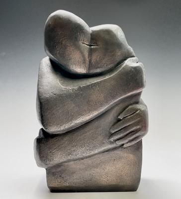 Lot 30 - Theresa GILDER The Kiss Bronze resin Height...