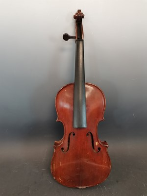 Lot 4 - An antique The Maidstone Murdoch and Co violin.