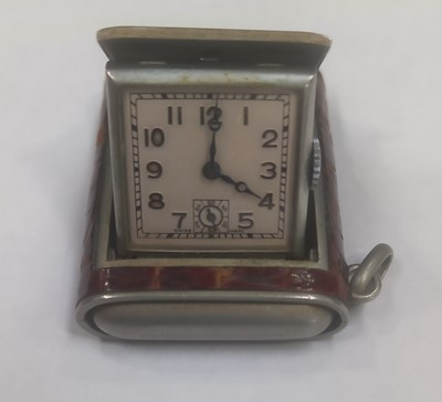Lot 3 - A rare Swiss Art Deco flip-up fob watch with...
