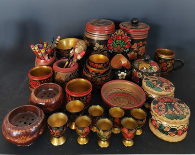 Lot 17 - A large collection of Russian Khokhloma.