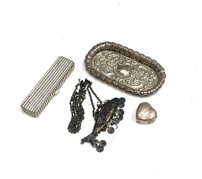 Lot 79 - An Edwardian silver heart shape pillbox by...