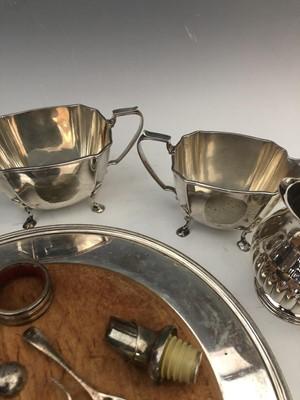 Lot 48 - Mappin & Webb's silverplate sugar bowl and...
